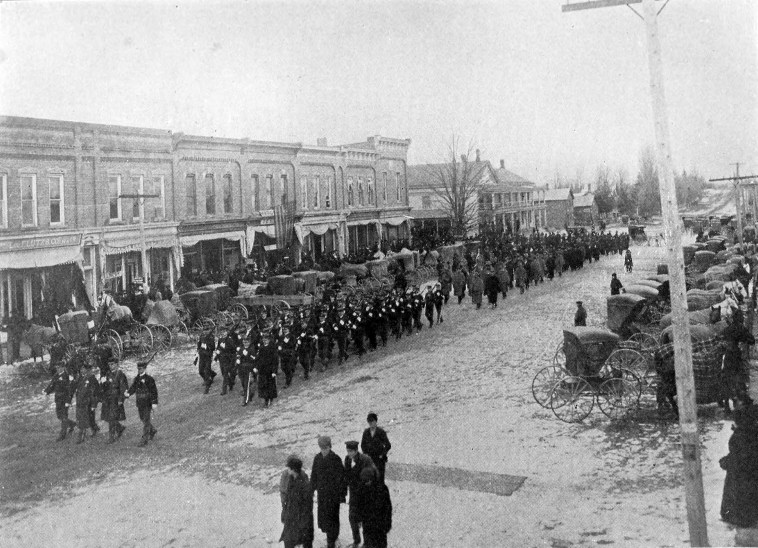 A funeral in Byron, Michigan in 1900.