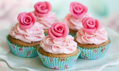adorable-little-rose-cupcakes