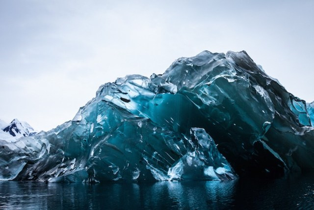 blue iceberg antartica