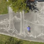 Man creates fantastic mural on his driveway with a pressure washer