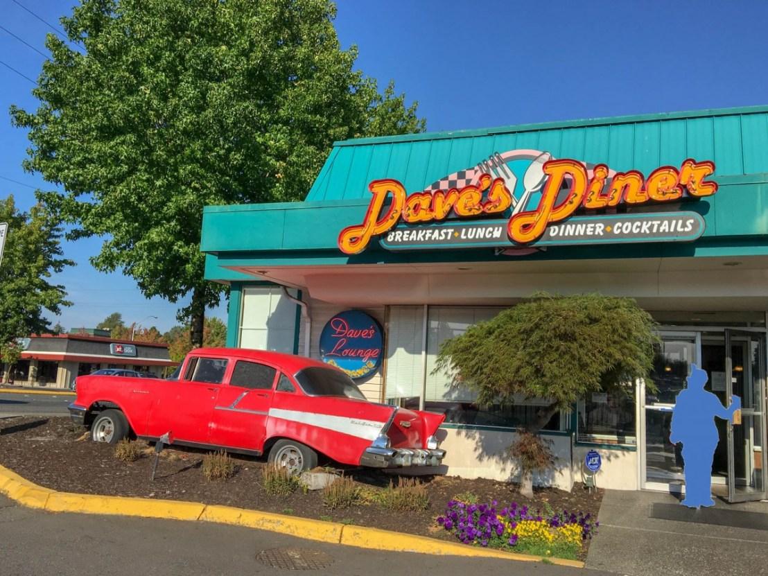Dave's Diner and Brew on International Blvd