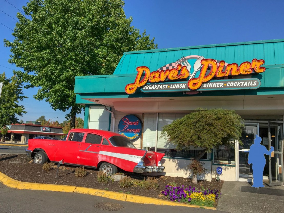 Dave's Diner and Brew on International Blvd