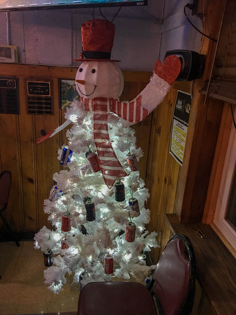 Fergie's Bar and Restaurant Frosty The Beer Man Themed Christmas Tree.