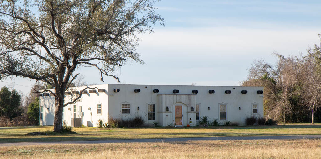 Beautiful House Near Fannin Monument and Angel of Goliad Statue