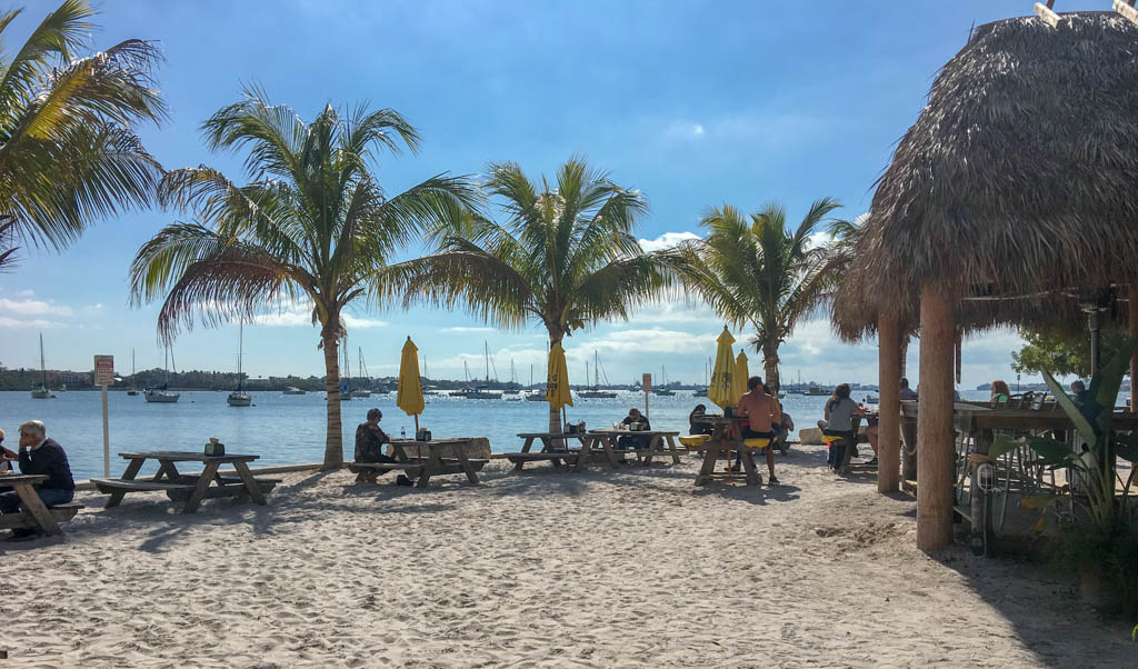 O'Leary's Tiki Bar & Grill Beach Dining