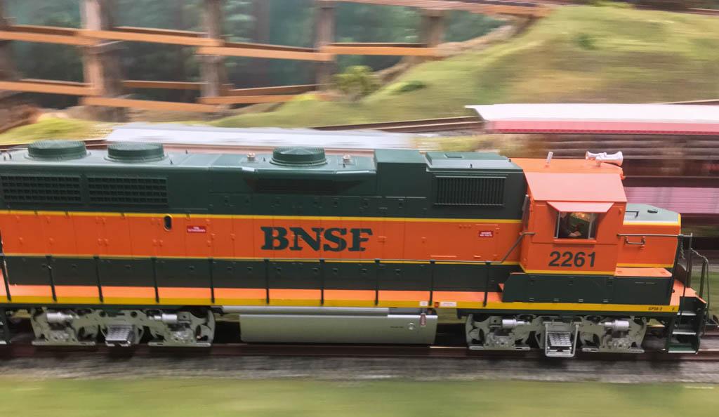 Modern BNSF Engine