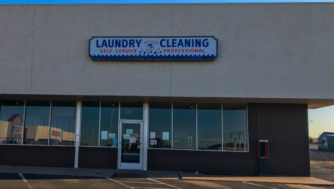 Holbrook's Wash 'n Clean World Laundromat