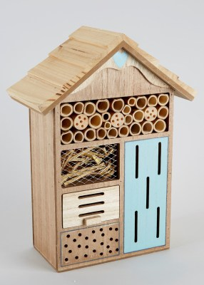 Patio_insect_hut