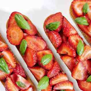 Tartelettes fraise basilic vues de dessus