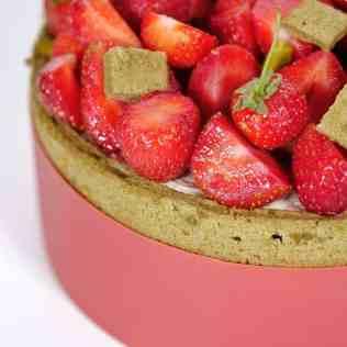 Charlotte fraise et thé matcha