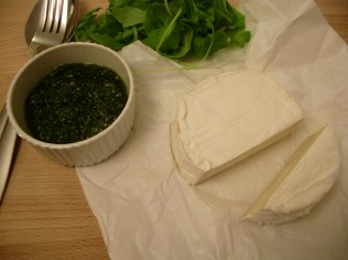 Herb pesto, goat cheese and rocket