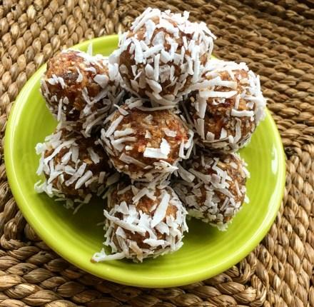 Peanut Butter Cookie Energy Balls Vegan
