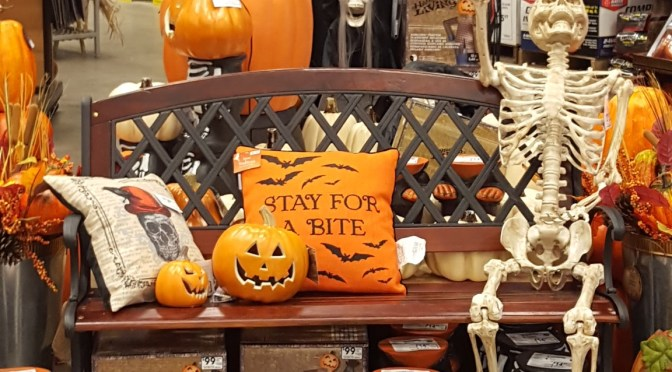2017 Halloween Merchandise Review: Lowe's