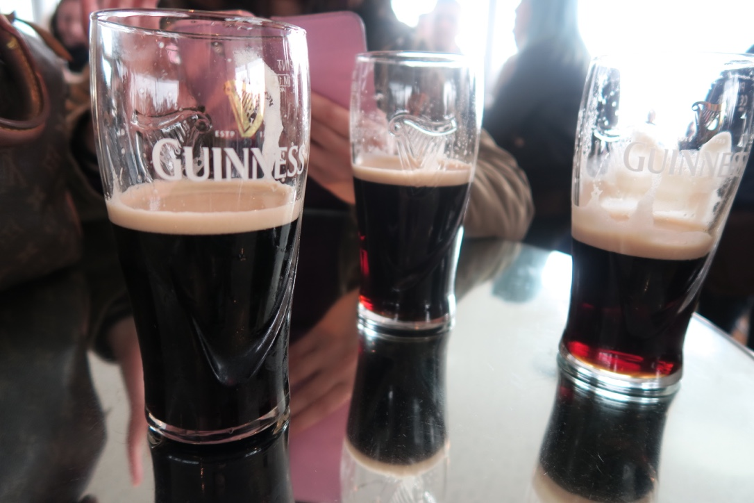 bicchieri-storehouse-guiness-irlanda-the-frilly-diaries-weekend-a-dublino