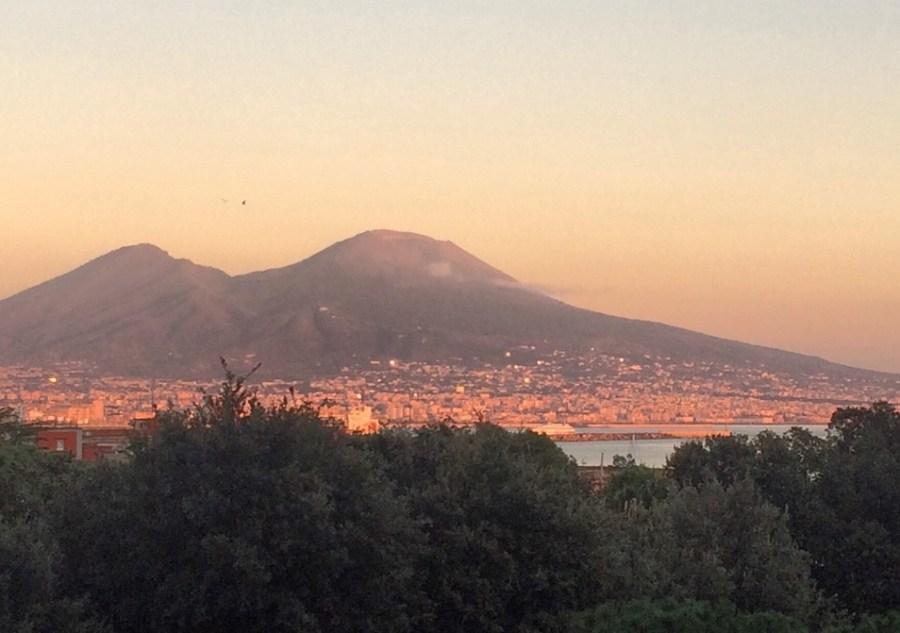 tramonto sul Vesuvio Napoli