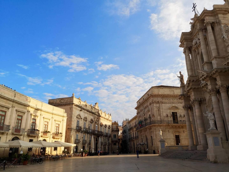 Piazza-Duomo-Ortigia-The-Frilly-Diaries