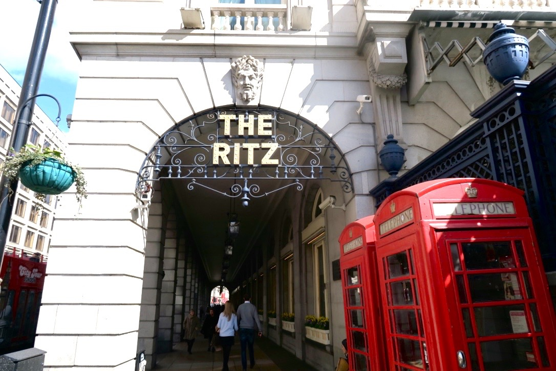 The-Ritz-hotel-London-afternoon-tea-alondra-the-frilly-diaries