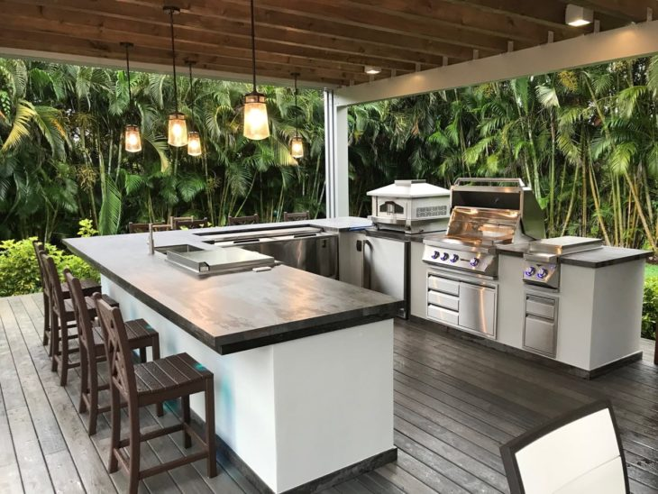 Amazing Outdoor Living Spaces Ideas You'll Love - The Frisky on Outdoor Kitchen Patio  id=66740