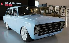 Russia's Kalashnikov branches out from rifles to e-cars
