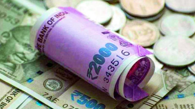 Indian rupee continues to fall as emerging markets come under pressure