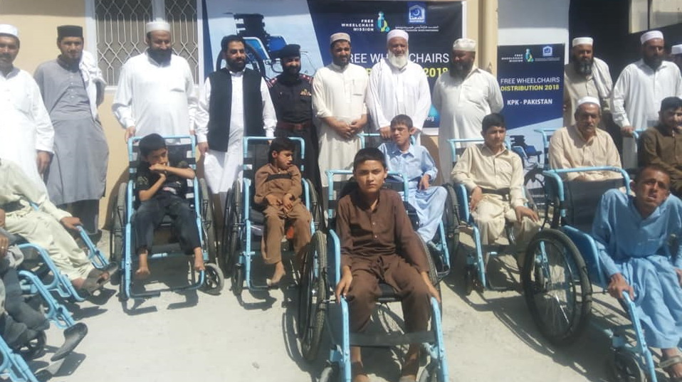 Wheelchairs distribute story picture