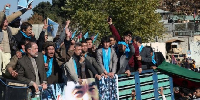 Abdullah-s-supporters-stage-protest-in-Baghlan-Dec-19-660x330