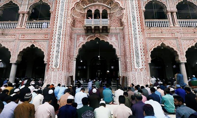 sindh-govt-bans-congregational-friday-prayers-at-mosques-1585240274-9051