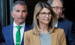 Actress Lori Loughlin to plead guilty in college admissions scandal