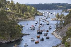 Norway lifts many European travel curbs