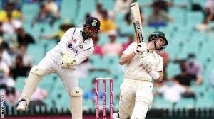 Justin Langer defends batsman Steve Smith over scuffing claims