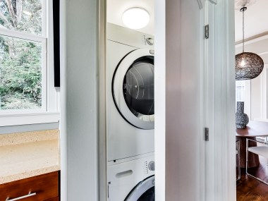 2154 A Market In Unit Laundry