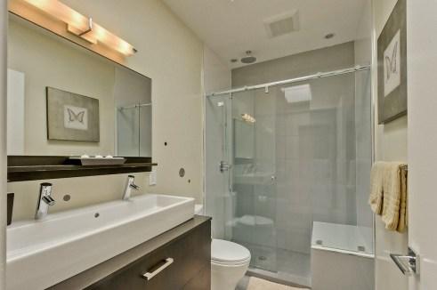 960 Harrison Guest Bathroom