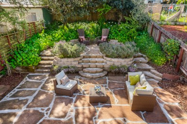 849 44th Ave Large Landscaped Yard