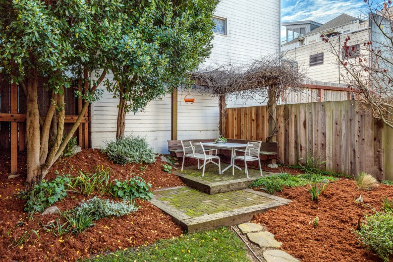 1651 Page Landscaped Yard