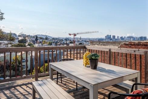 318 Connecticut Deck w/ Amazing Downtown Views