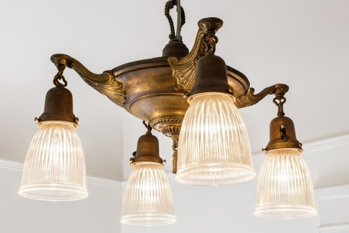 318 Connecticut Period Lighting