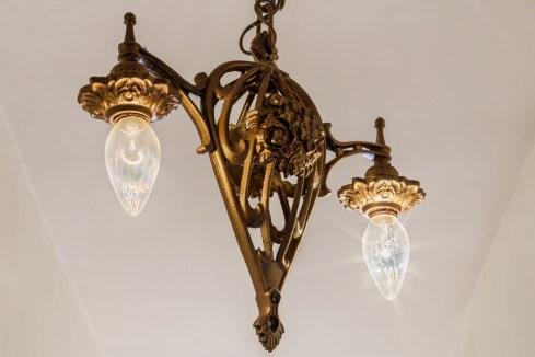 318 Connecticut Period Lighting