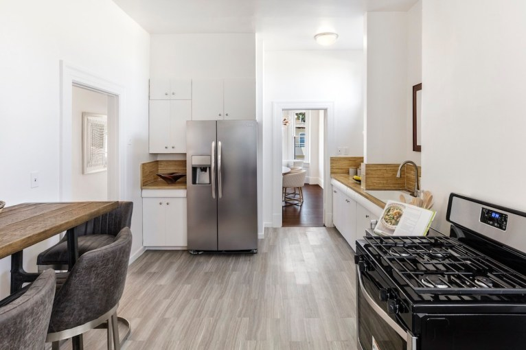 13-4758-17th-kitchen-high-res