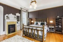 179 Carl Master Bedroom