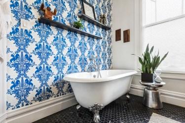 179 Carl Designer Bathroom w Clawfoot Tub