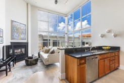 1011 23rd Street Living/Dining Area