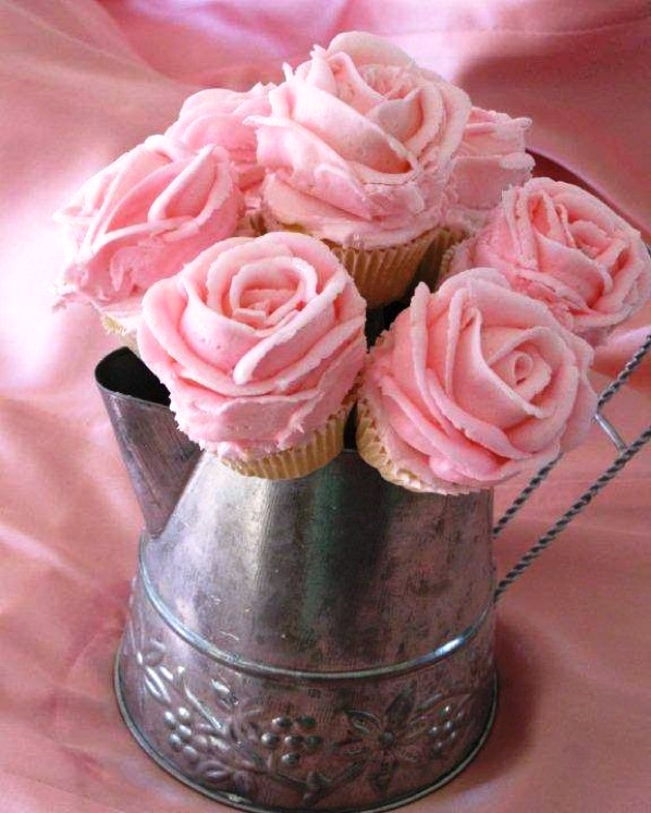 Rose Frosting Cupcakes Tutorial