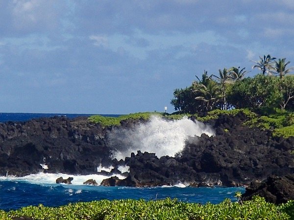 BIG List of Maui Travel Tips from TheFrugalGirls.com