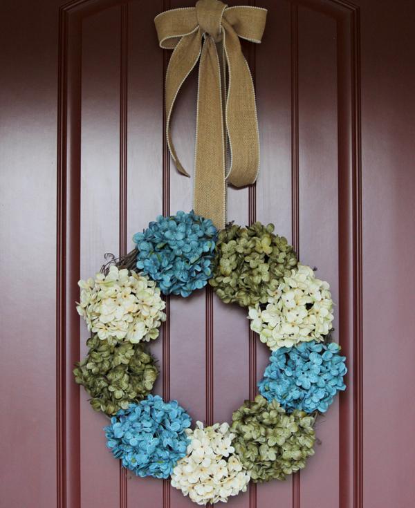 https://thefrugalgirls.com/2015/04/hydrangea-wreath-for-front-door.html