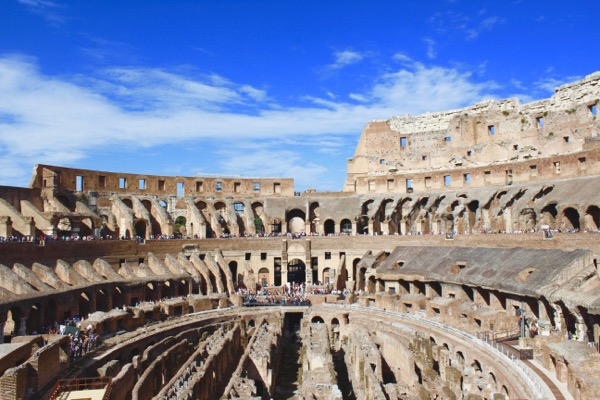 Top Rome Italy Travel Tips at the Coliseum from TheFrugalGirls.com
