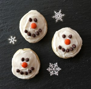 Easy Snowman Cookies Recipe at TheFrugalGirls.com