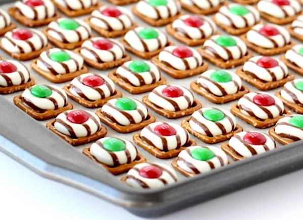 easy dessert ideas christmas 2 Easy Christmas Dessert Recipes! {Cute, Elegant & Traditional