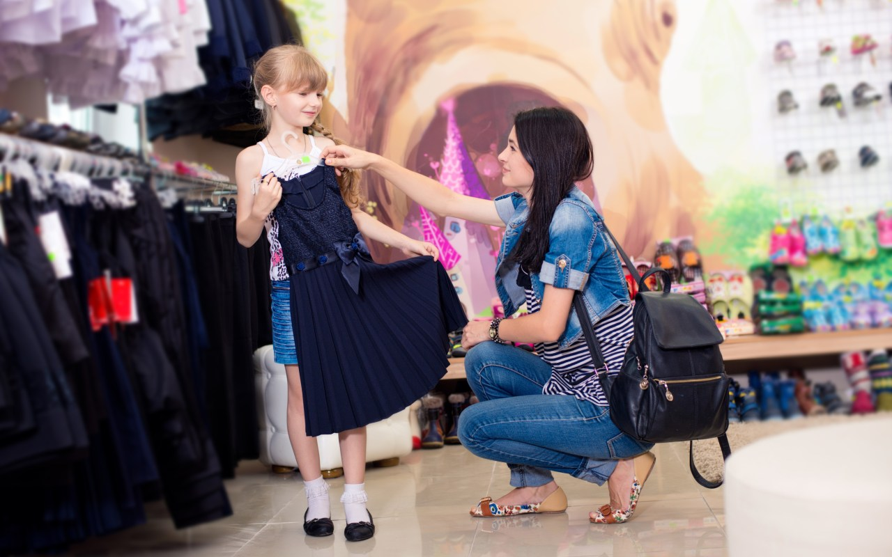 10 Shopping Tips For Saving on Back to School Clothes