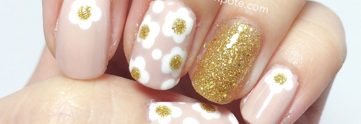 Marc Jacobs Daisy-Inspired Nails