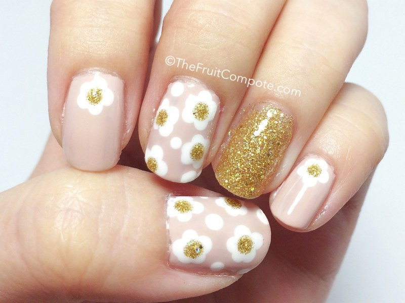 marc-jacobs-daisy-nail-art-2